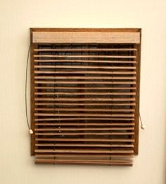 Tutorial for how to make miniature dollhouse Venetian blinds from a repurposed coaster (or similar strips) - scroll down for pictures and instructions