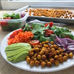 Pois chiches érable et cari semi-croustillants Gastro, Valeur Nutritive, Kung Pao Chicken, Posts, Ethnic Recipes, Blog, Drizzle Cake, Nutrition Month, Nutritional Yeast