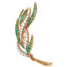 VAN CLEEF & ARPELS VCA 18k Yellow Gold Diamond & Emerald Brooch