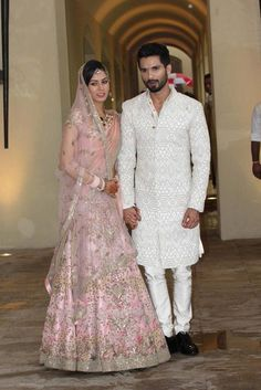 Actor Shahid Kapoor ties the knot with Delhi based Mira Rajput- Bridal outfit by Designer Anamika Khanna Lots of hearts broke on July, 2015 as Bollywood's sweetheart Shahid Kapoor finally tied the knot with a Dehli based girl Mira. Indian Groom Wear, Indian Attire, Indian Wear, Indian Style, Bollywood Wedding, Desi Wedding, Bollywood Couples, Wedding Suite, Wedding Wear