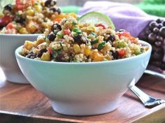 Southwestern Quinoa Salad with Chili-Lime Dressing (April 2012 Newsletter) Serve this colorful high-fiber low-sodium salad as a flavor-packed side dish to any grilled meats or by itself as a satisfying lunch. Vegetarian Recipes, Cooking Recipes, Healthy Recipes, Yummy Recipes, Yummy Food, Southwest Quinoa Salad, Clean Eating, Healthy Eating, Lime Dressing