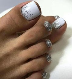 How To Nail Art At Home. Making the appropriate manicure and nail art design isn't only about coloration or pattern. Gel Toe Nails, Feet Nails, Toe Nail Art, Manicure And Pedicure, White Pedicure, Acrylic Nails, Glitter Toe Nails, Gel Toes, Pink Nails