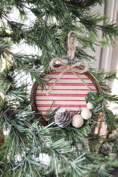 Crafting Christmas ornaments are so much fun! This DIY embroidery hoop Christmas ornament is easy to make and looks great in the tree! Farmhouse Christmas Ornaments, Christmas Wreaths, Christmas Crafts, Christmas Ideas, Christmas Decorations, Plaid Christmas, Christmas Inspiration, Christmas 2019, Holiday Ideas