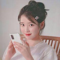 White Aesthetic, Kpop Aesthetic, Aesthetic Girl, Pretty Korean Girls, Cute Korean Girl, Iu Short Hair, Short Hair Styles, Long Hair, Jung So Min