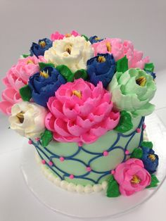 Beautiful mint green, navy and pink color scheme on this buttercream cake! Buttercream Decorating, Buttercream Cake, Fondant Cakes, Cupcake Cakes, Cake Decorating, Buttercream Flowers, Buttercream Designs, Cupcake Ideas, Mini Cakes
