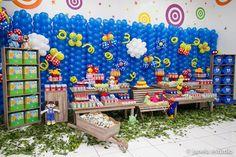 Este é o tema mais pedido aqui no blog!!Nada mais justo do que colocar mais uma linda ideia para Festa da Galinha Pintadinha!!Imagens do Facebook Scrap Celebrate.Lindas ideias e muita inspiração...