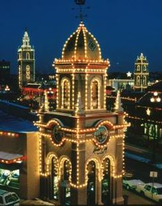 Country Club Plaza, Kansas City, MO  At Christmas Time
