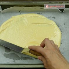 Se prepară atât de simplu, încât veți dori să o preparați mereu – plăcintă turnată cu brânză! - savuros.info Focaccia Bread Recipe, Bread Recipes, Cooking Recipes, Romanian Food, Croissant, Dairy, Sweets, Cheese, Pie