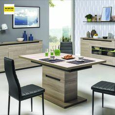 Moderní rozkládací jídelní stůl v minimalistickém designu. Díky svému jednoduchému designu a tmavým dekoračním prvkům působí velmi elegantním dojmem. Je vyrobený z kvalitního lamina v dekoru jilmového dřeva. Rozkládací na 200 cm vhodný až pro 6 osob. Black Table, Outdoor Furniture Sets, Outdoor Decor, Table Flowers, Modern Table, Minimalist Design, Simple Designs, Dining Table, Wood