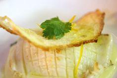Seppiolina arrosto profumata con zeste di limone, sfusato amalfitano candito su crema di patate, cipollotto nocerino e cialda di pane croccante - ricetta inserita da Giovanni Pastore