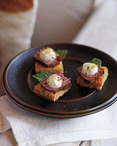 Fennel-Crusted Lamb on Toast Recipe
