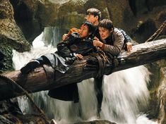 "Sean Astin, Corey Feldman and Jonathan Ke Quan in ""The Goonies"" 90s Movies, Iconic Movies, Good Movies, Movie Tv, Os Goonies, Goonies Party, King Kong, Movies Showing, Movies And Tv Shows"