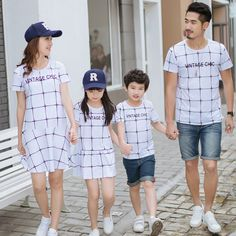 Maggie's Walker New Design Parent-child Outfits Summer 2017 Grid Printing Short Sleeve T-shirt Mom and Daughter Lattice Dresses Matching Couple Outfits, Twin Outfits, Kids Outfits, Summer Outfits, Family Clothing Sets, Mother Daughter Outfits, Matching Pajamas, Letter Patterns, Dad To Be Shirts
