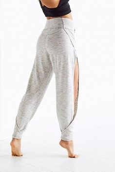 Awesome pants for yoga Slide View Agile Pant Sport Fashion, Fitness Fashion, Womens Fashion, Mode Outfits, Sport Outfits, Costura Fashion, Cool Style, My Style, Mode Hijab