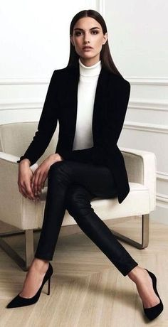 57 Trending Work & Office Outfit Ideas For Women 2019 - The Finest Feed Classic Work Outfits, Casual Work Outfits, Winter Outfits For Work, Winter Outfits Women, Business Casual Outfits, Office Outfits, Mode Outfits, Outfit Work, Office Attire