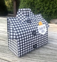 Man Crafts, Fathers Day Crafts, May Baskets, Treat Holder, Craft Box, Stamping Up, Folded Cards, Card Templates, Gift Bags