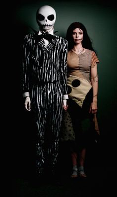 This creepy couple who stepped straight out of Halloween Land. | 25 Chilling Tim Burton Costumes You Should Try This Halloween