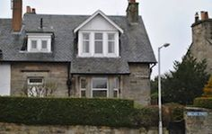 South Neuk Golf Cottage a 3 bedroom property located only five minutes away from St Andrews's historic town. The house is also fitted with WiFi and parking when available.