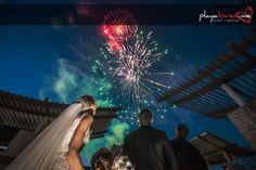 Nothing like #fireworks to make yoir #wedding day #celebration #grandiose! #wed #weddingphotography #weddingphotographer #weddingwednesday #destinationwedding #destinationweddingmexico #mexicancaribbean #mexico #playalovesme #playadelcarmen #cancun #caribbean #thebigday #tulum #truelove #tropical #banyantree #makakoba #bride #groom #nightscape #night #nightsky #sky #landscape