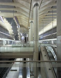 Foster + Partners designed Canary Wharf Underground Station in London. Learn more about the whole project and the architecture and design awards we won. London Underground Tube, Foster Partners, Norman Foster, Civil Engineering, The Fosters, Interior And Exterior, Facade, Train Stations, Sims 4