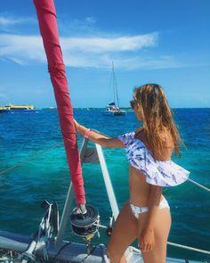 "𝕀ℕ𝔼𝕊 𝔾𝔸𝔾𝔼𝕀ℝ𝕆's Instagram photo: ""#sea #beautifullview #boat #blueocean #windansea #biquini #greatmemories #gajetti #amazingday #bestphoto #mexico #islandlife #islamujeres"" Great Memories, Island Life, Cool Photos, Mexico, One Piece, Sea, Instagram, Amazing, Swimwear"