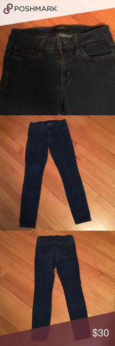 """Joe's Jeans Super soft skinny fit joes jeans in size 26.  Inseam is 26"""".  Super flattering and comfortable. Joe's Jeans Jeans"""