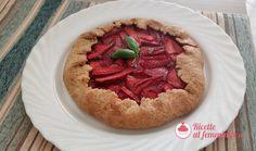 Crostata rustica a base di fragole con frolla alla birra, senza burro. Galette, Pancake, Apple Pie, Desserts, Tailgate Desserts, Deserts, Pancakes, Postres, Dessert