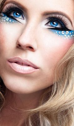 love the blue eyes and the eye makeup