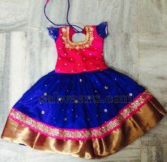 Bright Pink and Royal Blue Kids pattu Pavda/Lehenga Choli Source by etsy Blouses Kids Gown Design, Kids Frocks Design, Kids Indian Wear, Kids Ethnic Wear, Kids Dress Wear, Dresses Kids Girl, Baby Dresses, Kids Wear, Kids Lehenga