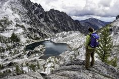 A Brief Guide to The Enchantments in the North Cascades - REI Co-op Journal West Coast Trail, The Enchantments, Rocky Mountain National, National Forest, Evergreen State, Beautiful Forest, Beautiful Places, Utah Hikes, Alpine Lake