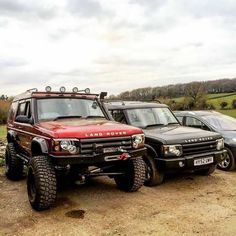 No automatic alt text available. Land Rover Td5, Land Rover Off Road, Land Rovers, Land Rover Defender, Land Rover Discovery 1, Discovery 2, Adventure 4x4, Off Road Adventure, Bug Out Vehicle
