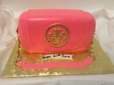 tory burch designer purse cake Special Holidays, Love Cake, Sweet Cakes, Pretty Cakes, Amazing Cakes, Yummy Treats, Cake Ideas, Party Time, Tory Burch