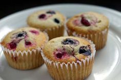 Blueberry muffins - the OFFICIAL STATE MUFFIN of Minnesota (my favourite state). But hey, STATE MUFFINS, anyone? Sounds somehow very American... :D But in a good way, suppose...