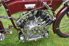 Silnik czterosuwowy, 4-cylindrowy, promieniowy w układzie poprzecznym. Torpedo V4 z 1909 roku. lehmanhill.blogspot.com/2009_08_01_archive.html