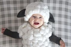 Make a Baby Lamb Costume….a simple tutorial! Make a Baby Lamb Costume.a simple tutorial! Diy Sheep Costume, Baby Lamb Costume, Sheep Costumes, Diy Baby Costumes, Costume Ideas, Amazing Halloween Costumes, Halloween Costume Contest, Baby Halloween, Halloween Hats