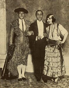 Rudolph Valentino with Manuel Reachi and Pola Negri - Rudolph Valentino - Wikimedia Commons