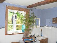 Niebieska farba gliniana VEGA z dodatkiem białej farby glinianej VEGA. http://www.dom-z-natury.pl/farba_gliniana_vega.html Farba gliniana nadaje się tylko wtedy do łazienki, gdy jest ogrzewanie ścienne i możliwość wietrzenia.