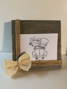 Portafoto in legno con rafia e spago shabby chic