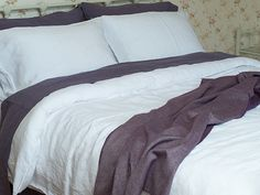Washed Bed Linen Set Optical White, Slate & Roberto Throw Plum