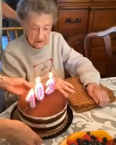 Happy birthday Careful with the dentures grandma . Happy Birthday Song Video, Happy Birthday Grandma, Happy Birthday Funny Humorous, Happy Birthday Quotes, Happy Birthday Wishes, Happy Birthday For Her, Feliz Gif, Taehyung, Dental Videos