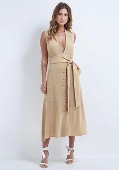 c22eb76b20 Vestido midi de algodão e decote V. Look com tendências verão 2019