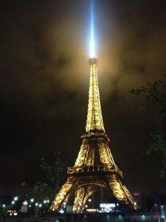 Eiffel tower at 7 am