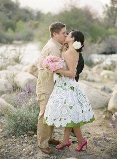 Crochet Doily Wedding Dress The most beautiful crochet dress I've seen! Retro Wedding Dresses, Crochet Wedding Dresses, Diy Wedding Dress, Vintage Dresses, Wedding Gowns, Diy Dress, Apron Dress, Wedding Bride, Wedding Cards