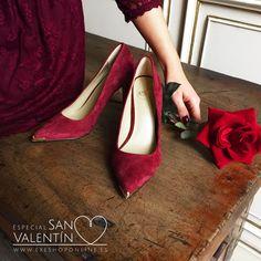 A pocos días de #SanValentín, ¿Por qué no vestir de rojo pasión con nuestros zapatos de salón? #ExéSanValentín