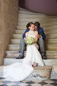 photo de couple / mariage / escalier château / champêtre / caraman /glamour www.jennys-photo.com