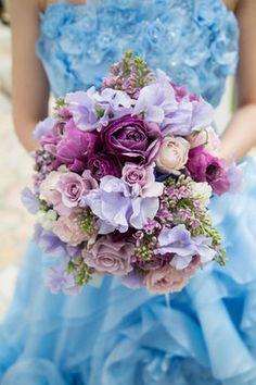【実例集】水色・ネイビー・ブルー系のカラードレスに合わせるブーケ - NAVER まとめ