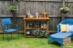 Simple Patio Decorating Ideas: Painted wicker outdoor furniture and a bar cart create a lounging area in blogger Anna Lisemeyer's backyard.