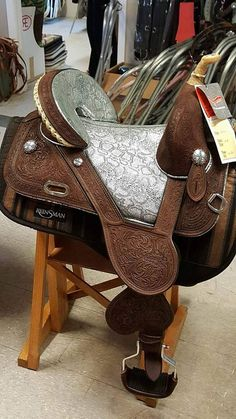 Horse Tack World - CIRCLEY Y TAMMY FISCHER TREELESS SADDLES PAGE 2