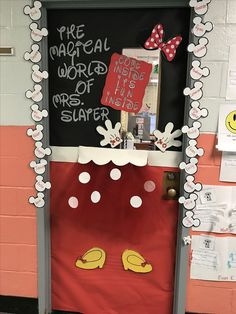 24 ideas for disney classroom door minnie mouse Mickey Mouse Classroom, Disney Classroom, Toddler Classroom, Kindergarten Classroom, Classroom Door Signs, Classroom Board, Classroom Decor Themes, Classroom Ideas, Future Classroom