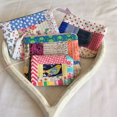 Scrappy pouches Pouches, Carry On, Sewing, How To Make, Hand Luggage, Couture, Fabric Sewing, Stitching, Full Sew In